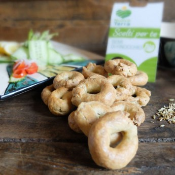 ricetta Taralli integrali ai semi di finocchio con verdure croccanti