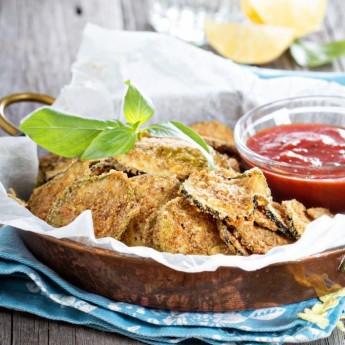 ricetta Chips di zucchine con semi di canapa