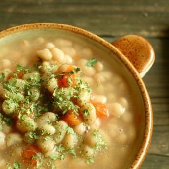 ricetta Gran zuppa di legumi con origano fresco