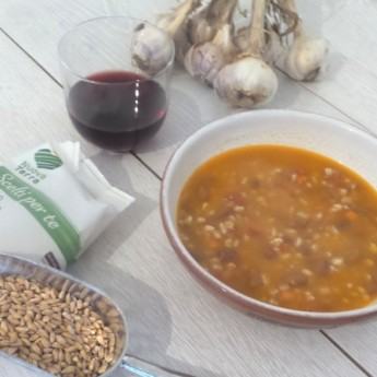 ricetta Zuppa di farro perlato – tanta salute in un piatto caldo squisito
