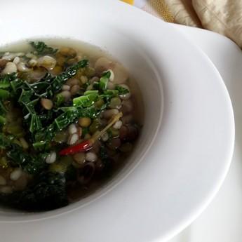 ricetta Zuppa toscana con farro e cavolo verza