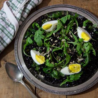 ricetta Insalata di riso venere, rughetta e semi oleosi