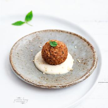 ricetta Kibbeh vegetariani con salsa tahina