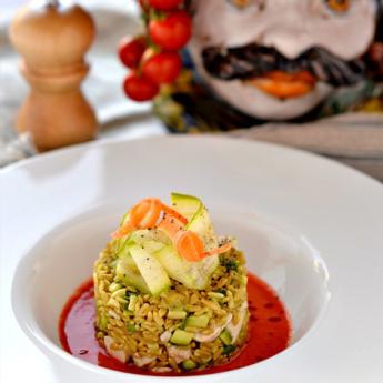 ricetta Insalata di avena e pesce spada su gazpacho essenziale