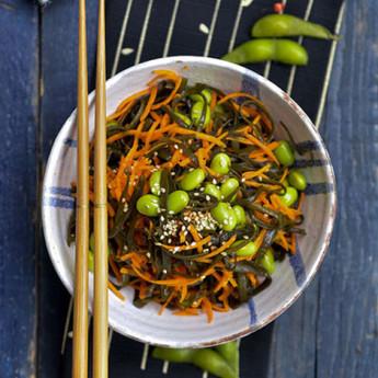 ricetta Insalata di alga spaghetti, carote e edamame