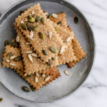 ricetta Crackers integrali al farro con semi e sale di cervia